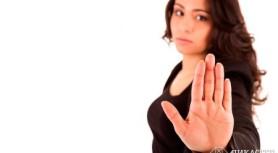 5 способов оттолкнуть от себя людей — возможно, вы уже используете их